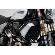 D0009A Defensa. Ducati Scrambler (17-). Negro.